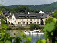 Winzerhotel Moselstrand, Briedern(12km)